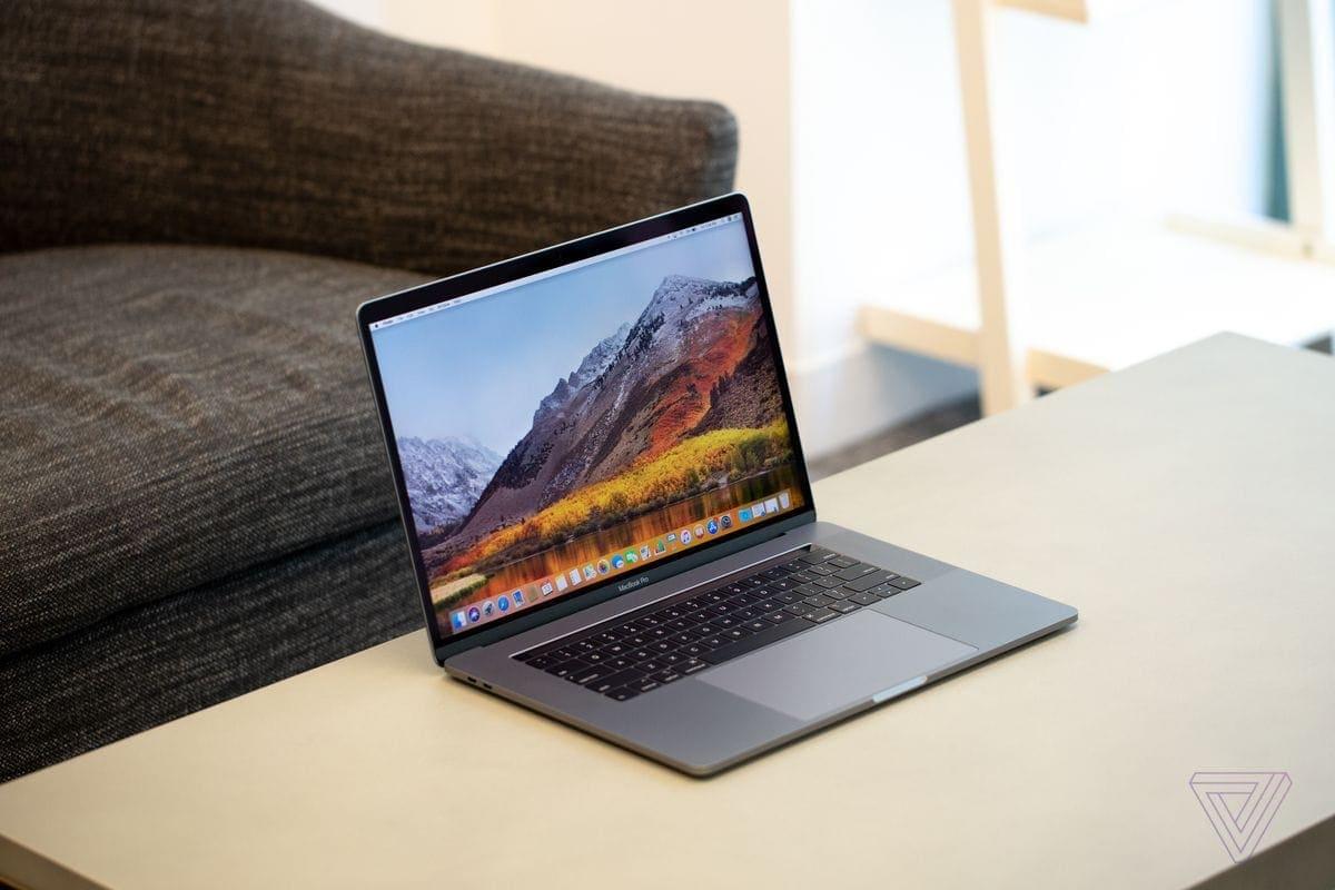 Macbook Pro na cesty