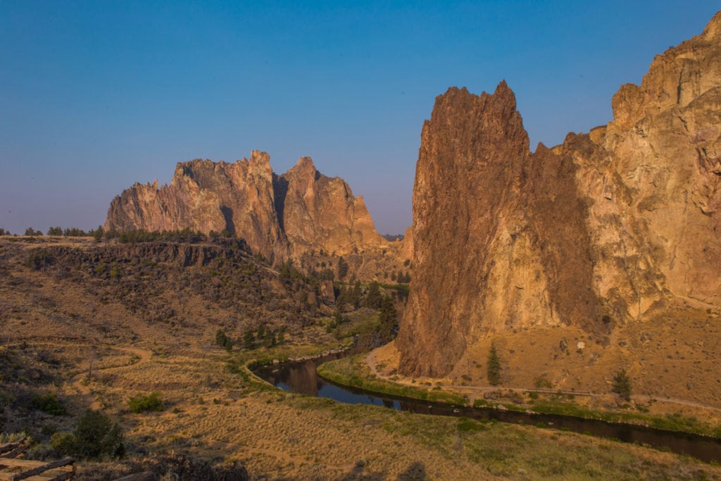 Smith Rocks a Misery Ridge Trail