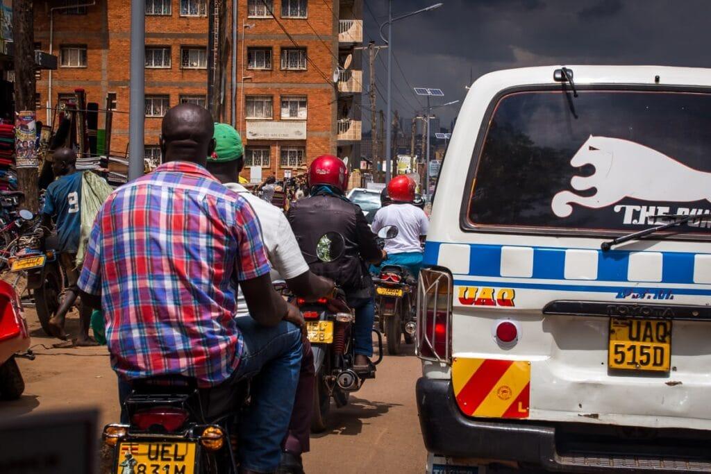 Už jen řídit auto v Ugandě, není nic, co jsme si užívali