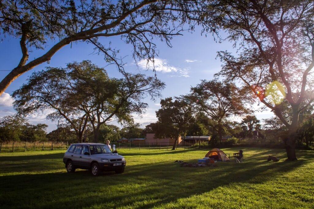 Jak je to velká šílenost jet stanovat do Ugandy, jsme si uvědomili, když jsme v prvním kempu byli úplně sami