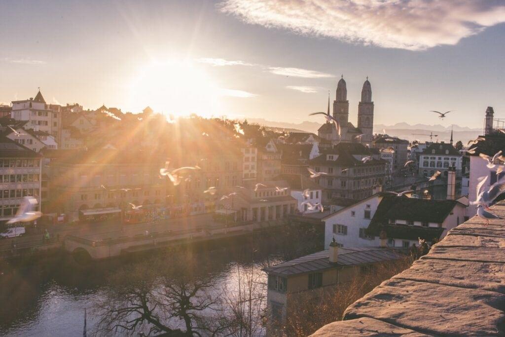 Do Švýcarska za levným Applem i krásnou architekturou