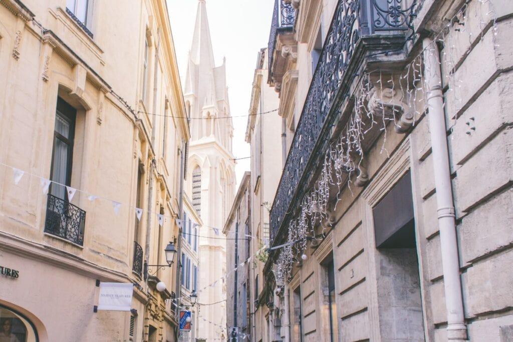 Montpellier je jedno z mála významnějších francouzských měst, která vznikla teprve ve středověku, a poprvé se připomíná k roku 968
