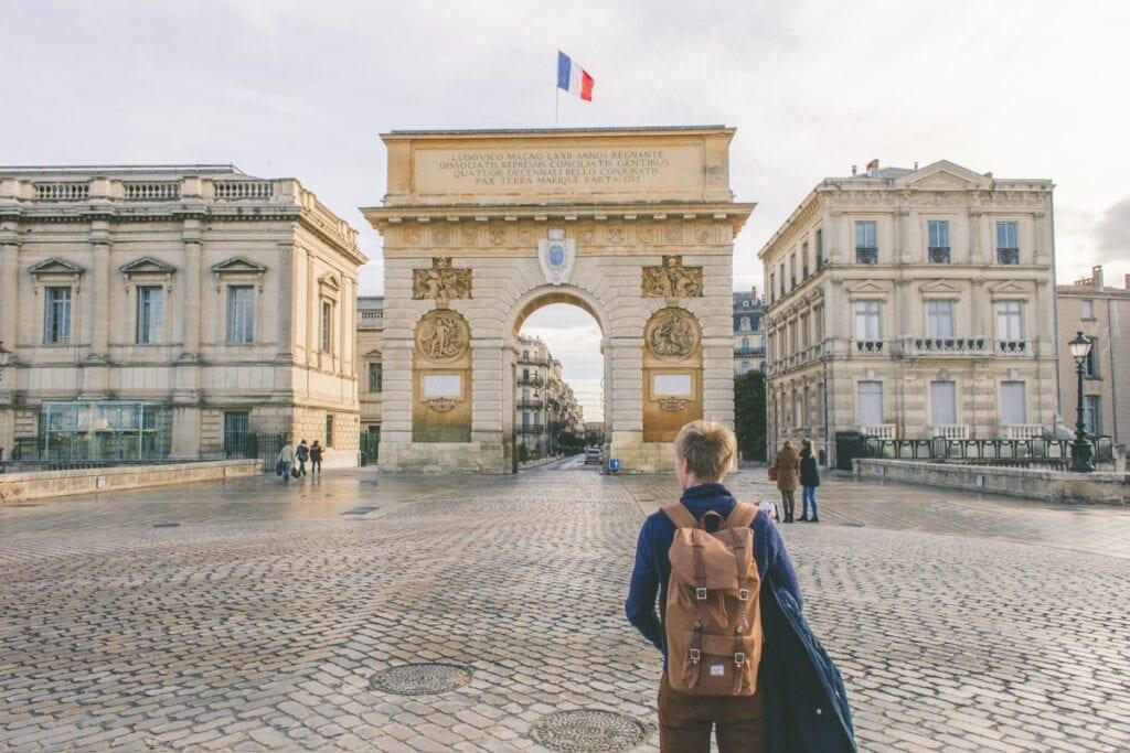 Montpellier je město na jihu Francie v regionu Okcitánie, správní středisko departementu Hérault.