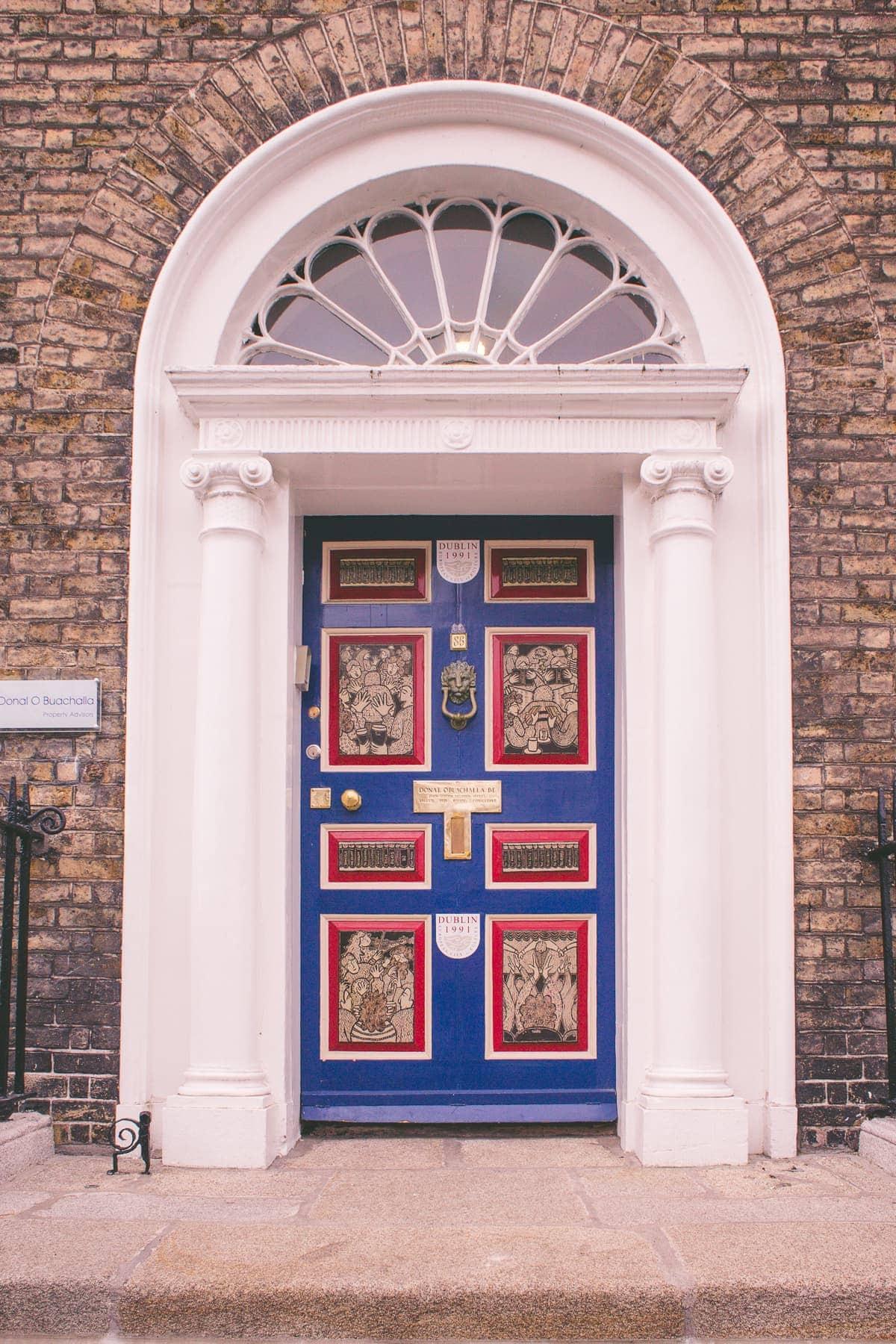Dublinské barevné dveře