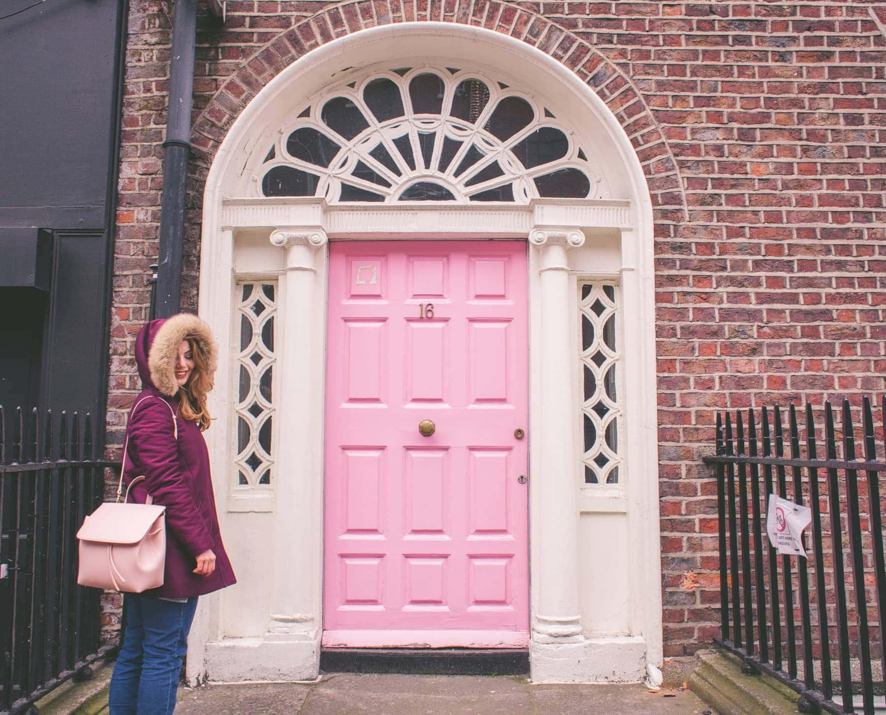 Barevné dveře v Dublinu