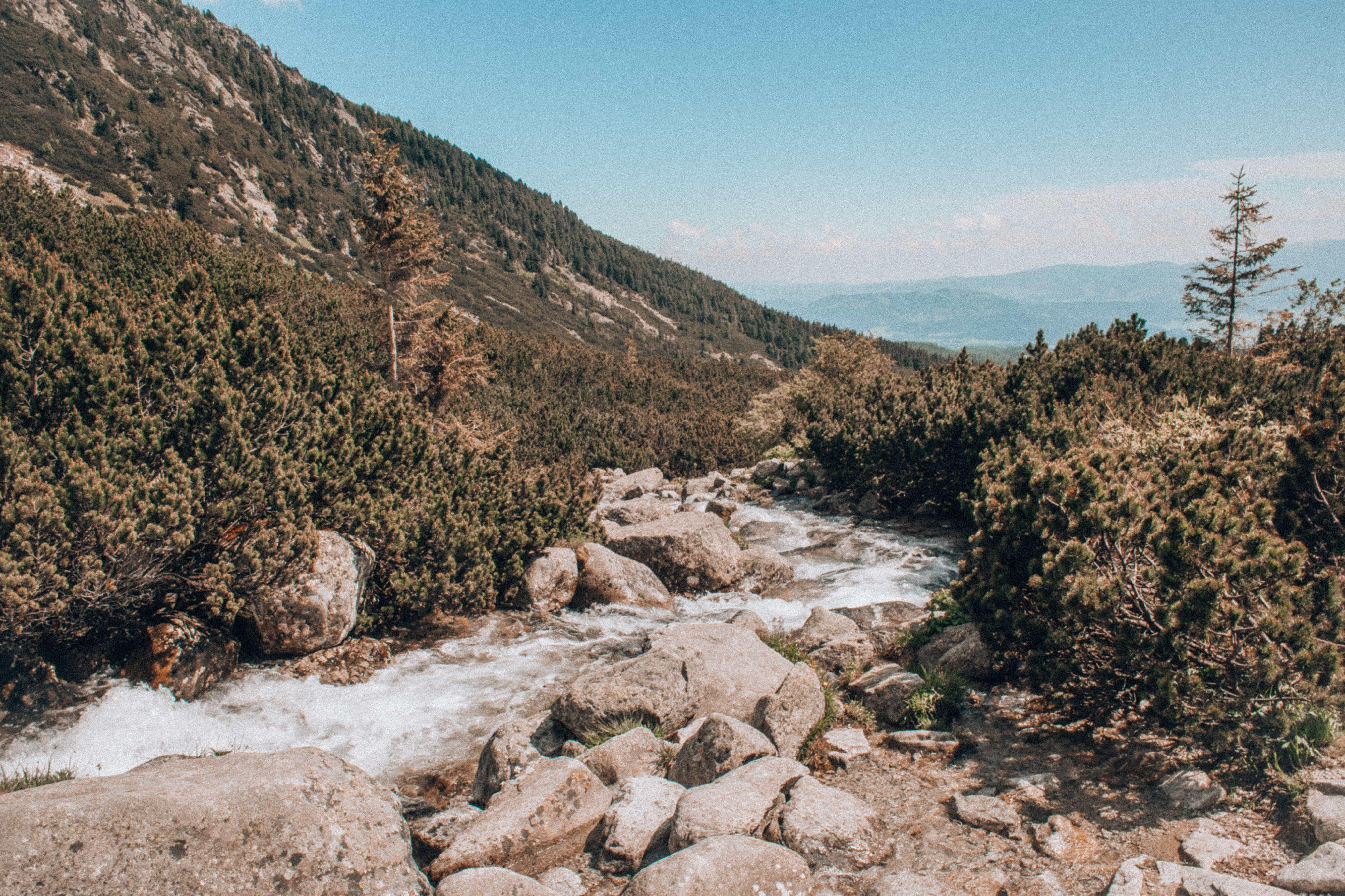 Pohled z trasy na vodopád Skok