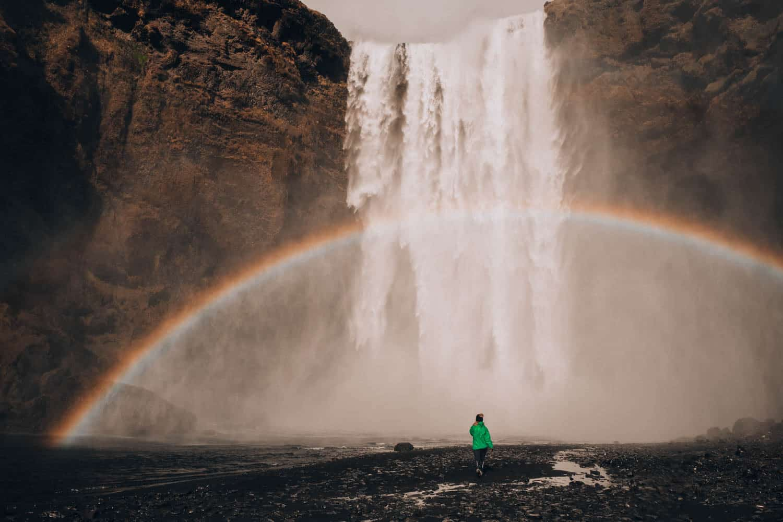 Duha u vodopádu Skógafoss
