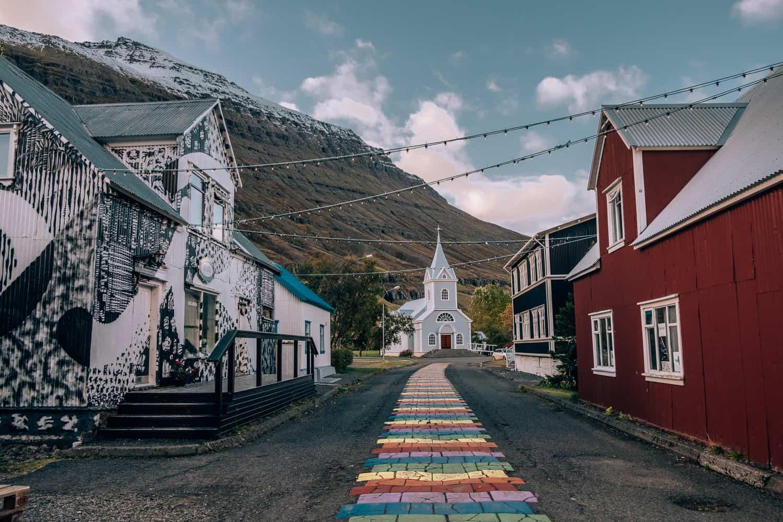 Přístavní vesnička Seydisfjördur