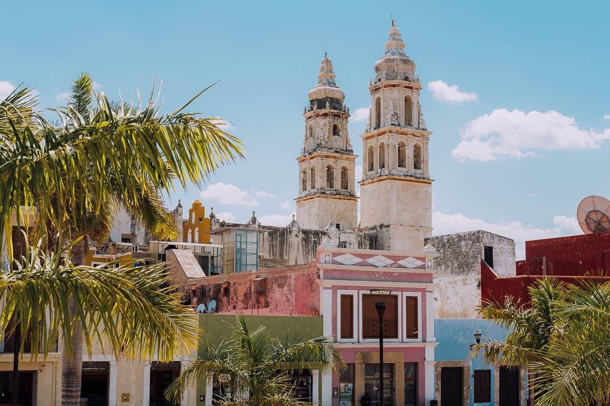 Výhled na město Campeche z opevnění