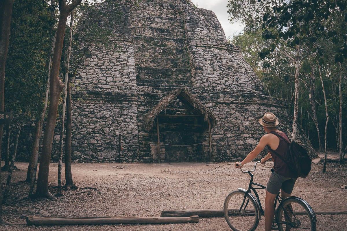 Ruiny Coba: Nezapomeňte si půjčit kolo!
