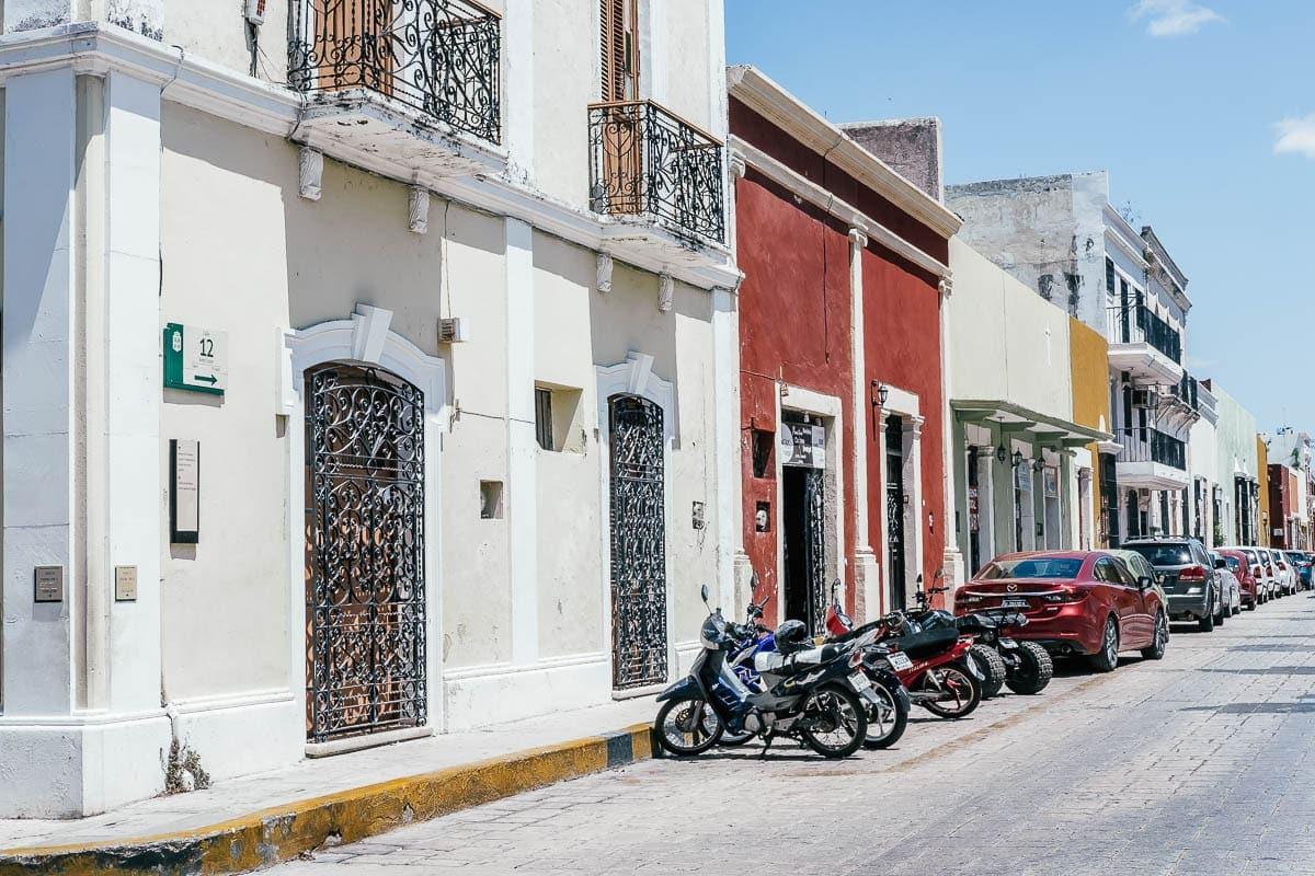 Campeche je plné barevných uliček a roztomilých kaváren a restaurací
