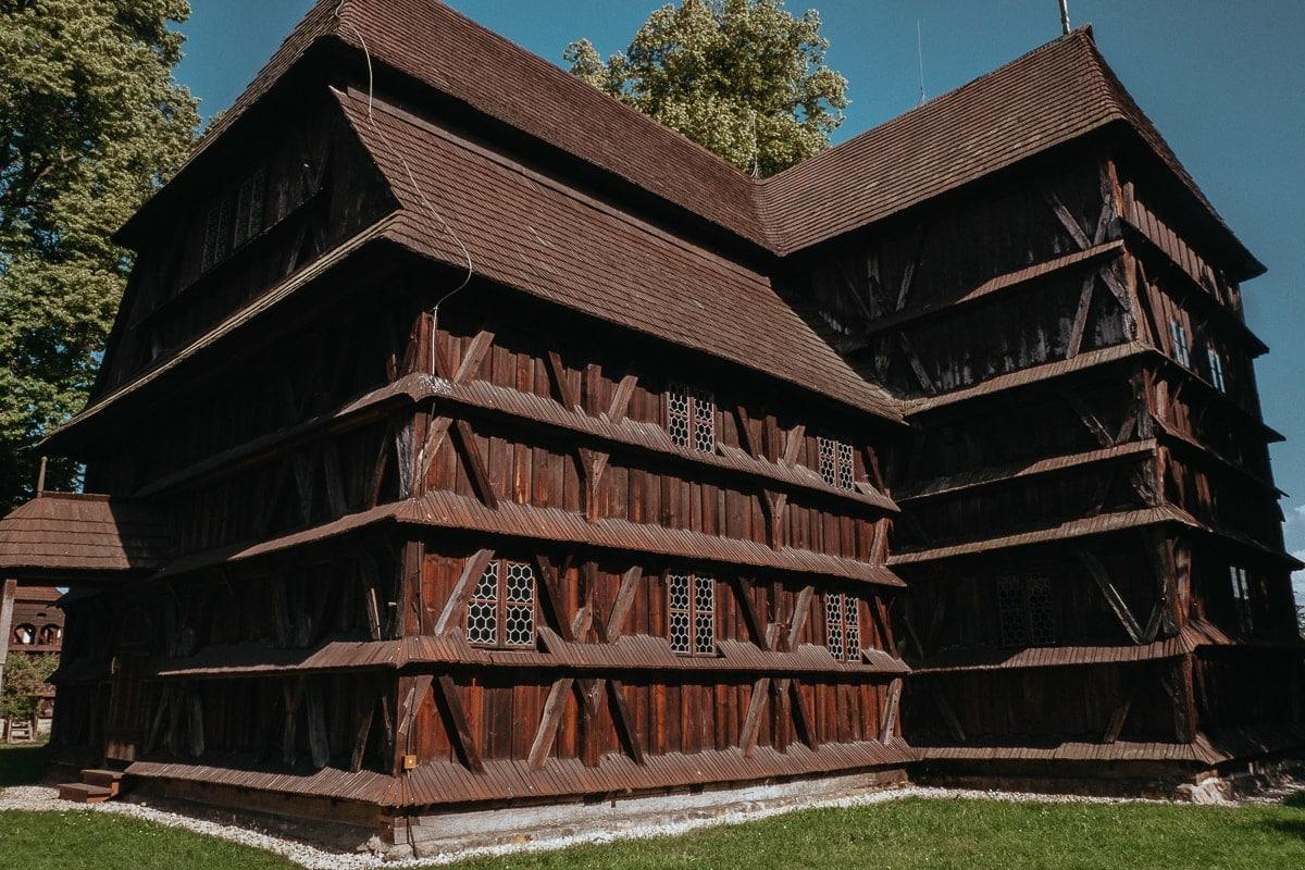 Dřevěný kostel Hronsek